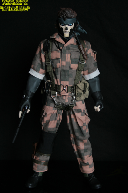 METAL GEAR SOLID 3 - SNAKE SQUARE CAMOUFLAGE VER. ( RAH-226 ) MGS%203%20-%20snake%20square%20camou-001